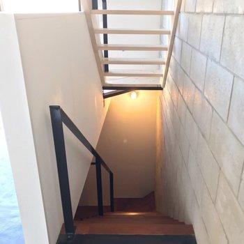 さいごに、1階へおりてみましょう。(※写真は反転間取り別部屋のものです)