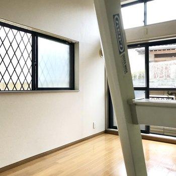 窓も2面あって、換気もばっちり。