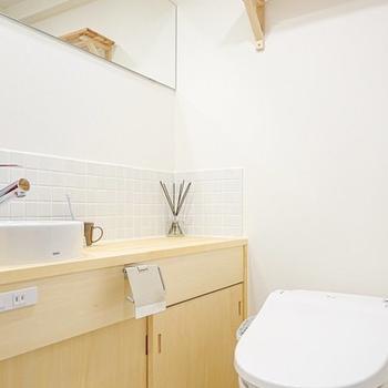 トイレと洗面台はセットですが、とっても清潔で居心地の良い空間◎(※写真は別部屋、モデルルームのもの)