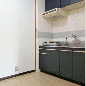 キッチンスペースゆったり◎横に冷蔵庫を置いて。