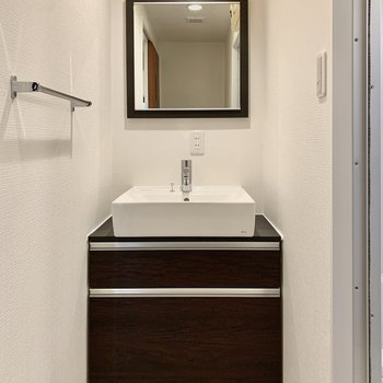 シンプルで使いやすい洗面台