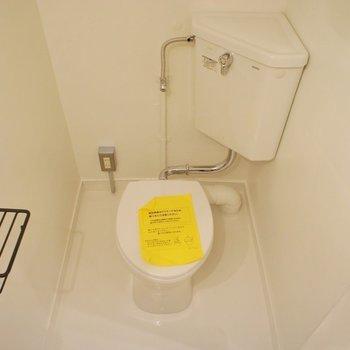 トイレもシンプルなもので ※写真は前回募集時のものです
