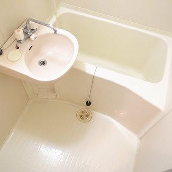 2点ユニットのお風呂。