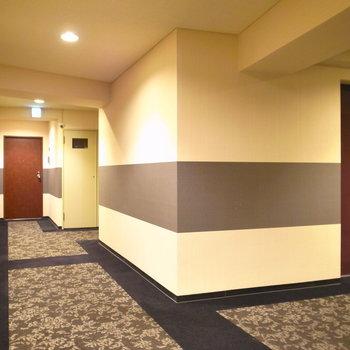 【共用部】実は共用部もホテルさながら。お部屋の両側は会社の事務所でした。