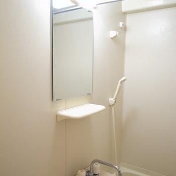 実は浴室乾燥機がついています!
