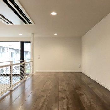 ゆったりした広さがあるので、寝室でも収納でもいろんな使い方がますよ。※写真は反転間取り・別部屋のものです。