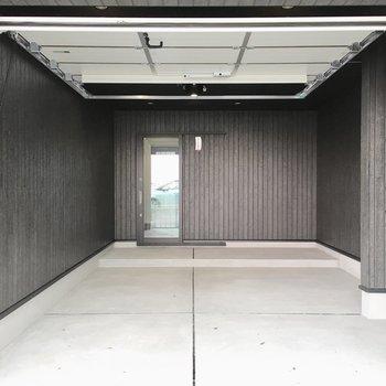 今回はガレージが主役!※写真は反転間取り・別部屋のものです。