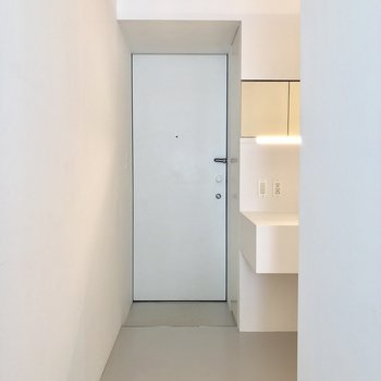 これまた無駄のない玄関。※写真は3階の同間取り別部屋のものです