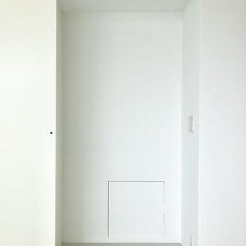 扉で隠せる収納がいいですね。※写真は3階の同間取り別部屋のものです