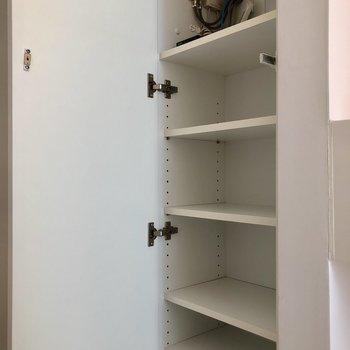 靴箱も高さ調節可能。※写真は3階の同間取り別部屋のものです