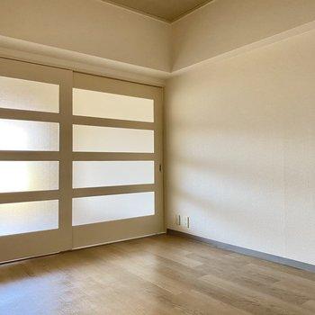 扉を閉めれば生活空間もしっかりと分けられます◎