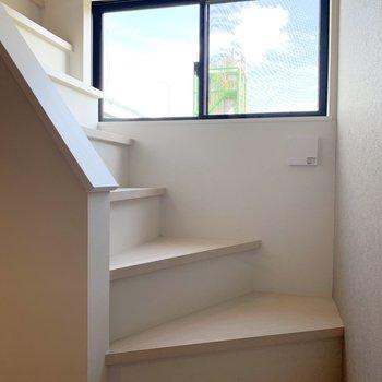 階段を登って3階ロフト部分へ。