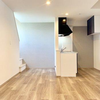 2階部分は13.31帖の洋室。ゆったりくつろげるサイズ感です。
