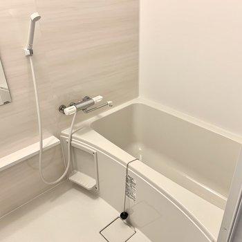 お風呂も新しくなっています!機能はシンプルですが居心地が良さそうで良いなぁ。