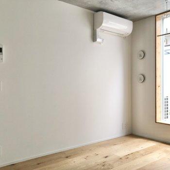 エアコンやTVモニタ付きドアホンも設置されています。