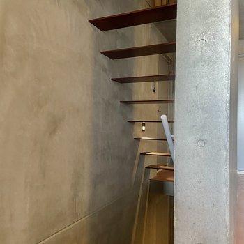 階段にも美しさを感じます。