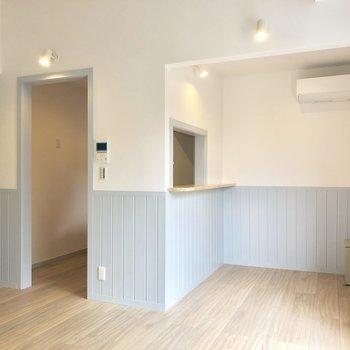 【LDK】キッチン前にカウンターチェアを置いておきたい。※写真は3階の同間取り別部屋のものです
