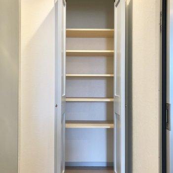 広々としたシューズボックスです。※写真は3階の同間取り別部屋のものです
