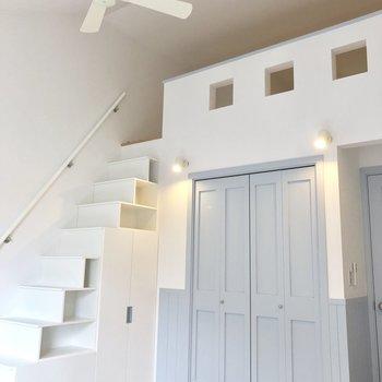 【LDK】天井が高い!※写真は3階の同間取り別部屋のものです