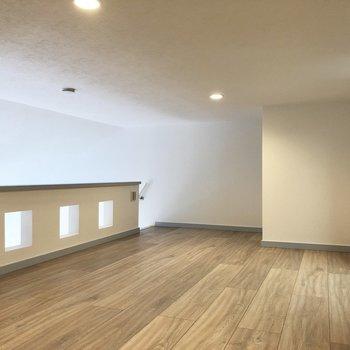 【ロフト】少し中腰になるくらいです。※写真は3階の同間取り別部屋のものです