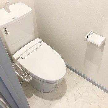 トイレも可愛らしい!※写真は3階の同間取り別部屋のものです