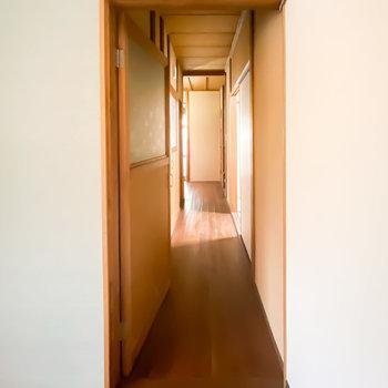 その他の水回りは廊下に出て左側に集結。