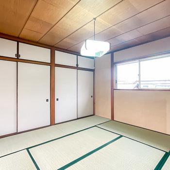 【2階/和8】こちらがいちばん大きな個室なので、主寝室に。