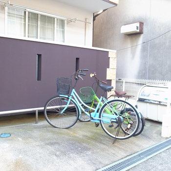 【共用部】自転車はマンションの前に。