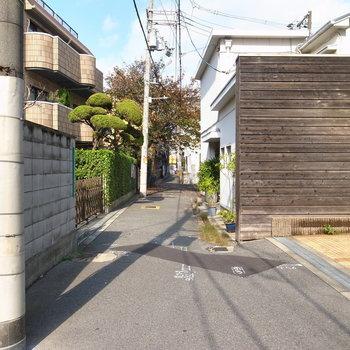 【周辺環境】のどかな、昔ながらの住宅地にあります。