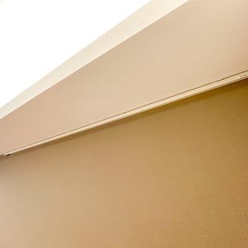 照明下にはフックがあり、ドライフラワーなどを吊り下げることができます。