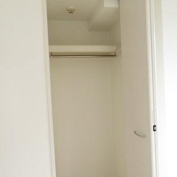 部屋にある小さなクローゼット※写真は5階同間取りのもの