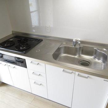 システムキッチンでがっつり料理を※写真は5階同間取りのもの