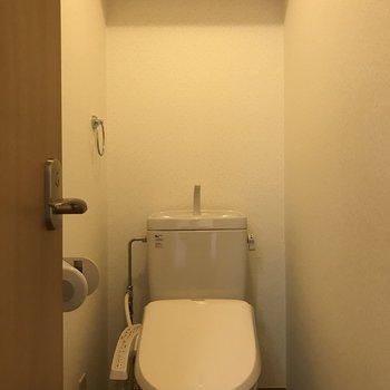 温水洗浄便座があります。