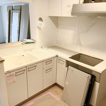 【工事中写真】L字キッチンはこのような感じに!