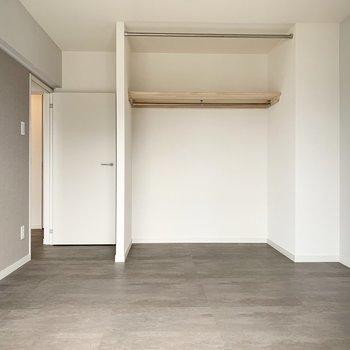 【カスタマイズ4-4】床材を選ぶ(寝室部分 / モルタル系タイル)※画像はイメージになります