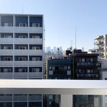 周辺はマンションが立ち並んでいます。