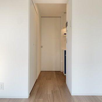 キッチンと廊下は扉で仕切ることができます。