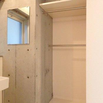 クローゼットはこの位置(※写真は7階の同間取り別部屋のものです)