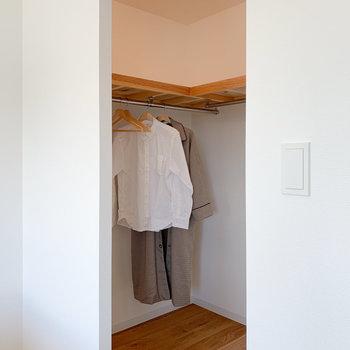 寝室のほうにはウォーキングクローゼットが・・!※写真はモデルルーム