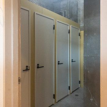 1階共用部のトランクルームになります。※使用時月額費用発生いたします。