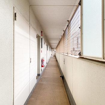 落ち着きのある共用廊下