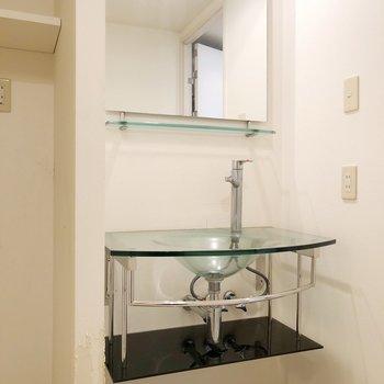 スタイリッシュでかっこいい洗面台におもわず一目ぼれしちゃいました……