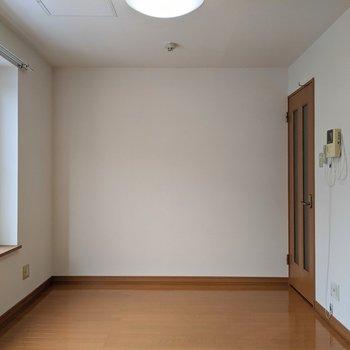 【リビング】ナチュラル素材の家具を置きたいですね。