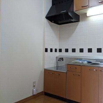 【キッチン】ゆとりのある広さのキッチンです。