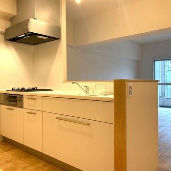 【完成イメージ】キッチンは対面型のシステムキッチンに変更します
