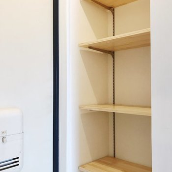【イメージ】玄関には可動棚もつきます。靴を置いても、鍵を置いても◎