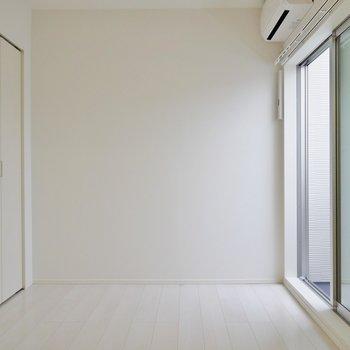 洋室はこんな感じ。※写真は2階反転間取りのもの