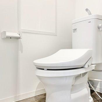 個室】トイレはうれしいウォシュレット付き◎