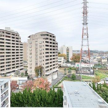 眺望はのんびりとした住宅街。