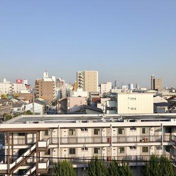 5階からの眺めは爽快!東向きなので日当たりは午前中が◎